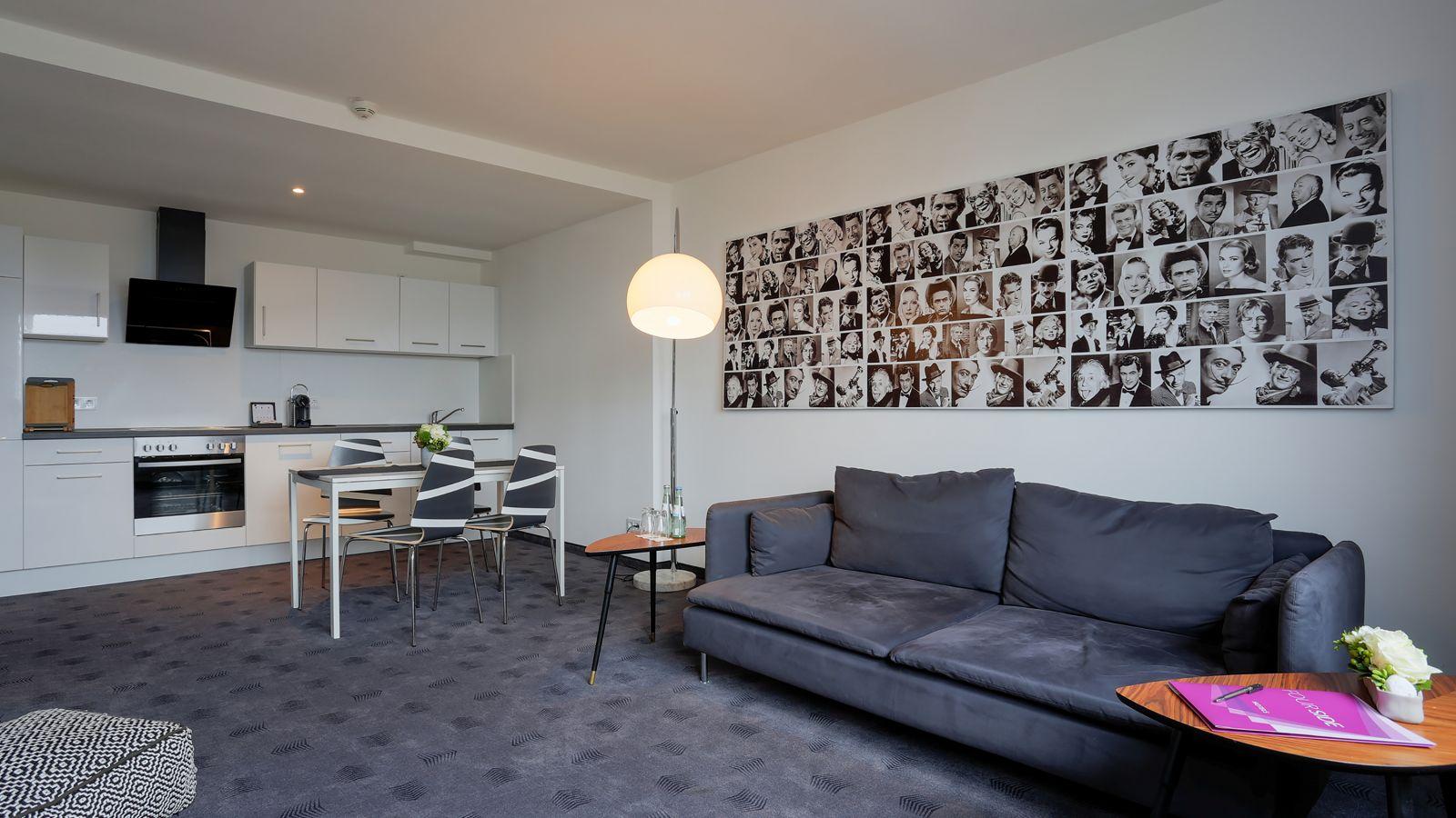 zimmer bersicht fourside plaza hotel trier. Black Bedroom Furniture Sets. Home Design Ideas