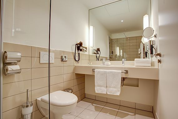 Spacious bathrooms with all the accessories and toiletries needed for a good start to the day